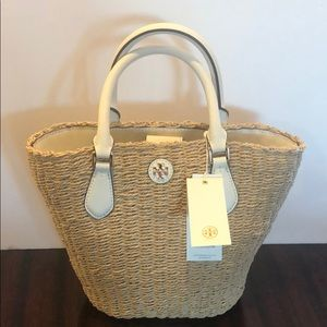 Tory Burch Carter Small Tote! Great for summer!